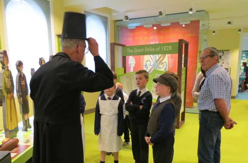School children meeting the Master at the Museum of Carpet